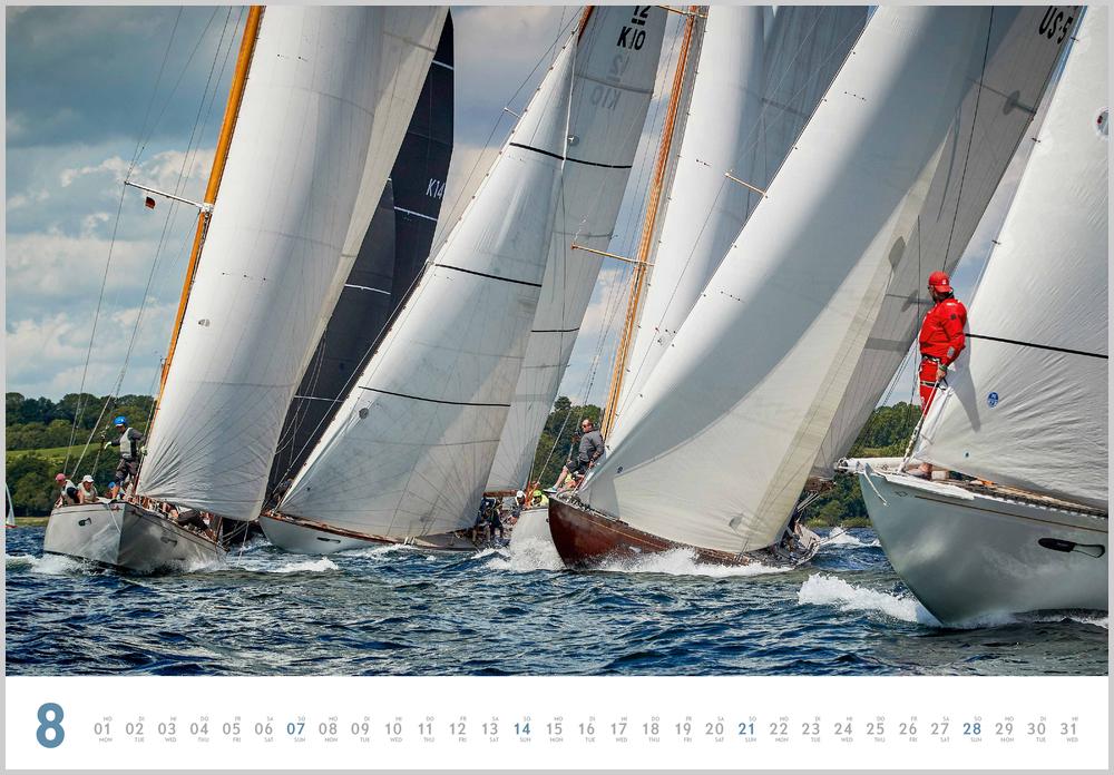 Augustvorschau für den achten Monat im Yacht Classic Kalender für 2022